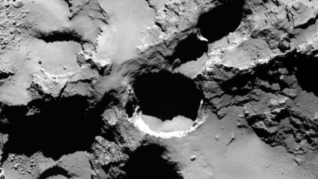 Massive sinkholes found on the comet being studied by Europe's Rosetta spacecraft has massive sinkholes in its surface. They stretch some 200 metres in diamater and 180 metres in depth.