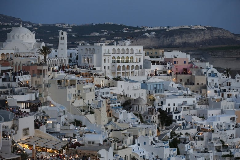 Greek crisis no windfall for thrifty travellers - yet