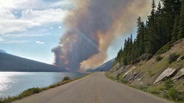 Jasper National Park's Maligne Valley remains closed because of a nearby forest fire.