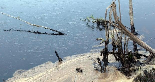 Alberta Pipeline Spill 20120608