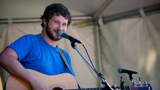 Vancouver musician Dan Mangan singing 'Robots (Need Love Too)' at the Vancouver Folk Music Festival in 2009.