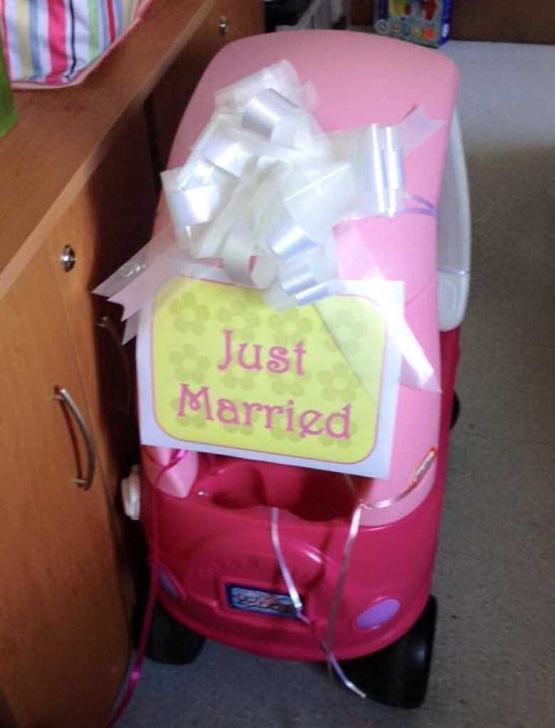 Nurse 'marries' 4-year-old cancer patient in hospital ceremony
