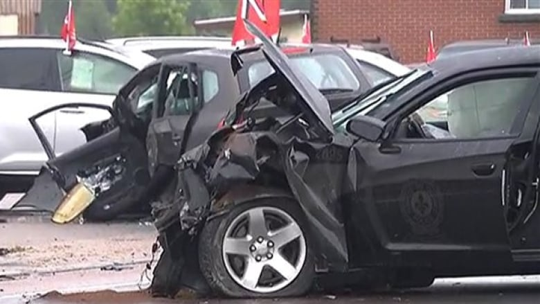 Quebec police limit use of unmarked cars after crash that