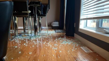 Niverville Family Says Glass Table U0027explodedu0027 In Their Home   Manitoba    CBC News