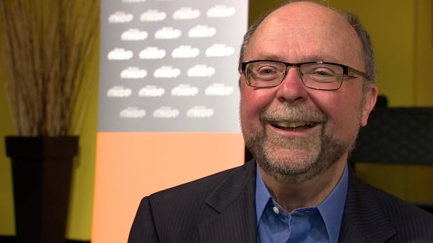 Bob Hawkesworth will run for the NDP in the upcoming Calgary-Foothills byelection.