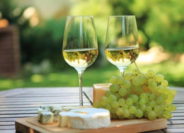 Aromatic white wines