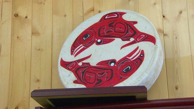 A traditional drum illustrates the importance of chinook salmon to Yukon First Nations' culture and subsistence.