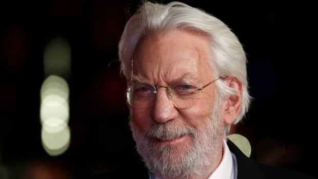 Actor Donald Sutherland objects to a new ruling preventing expats from voting he says it violates his rights as a Canadian citizen.