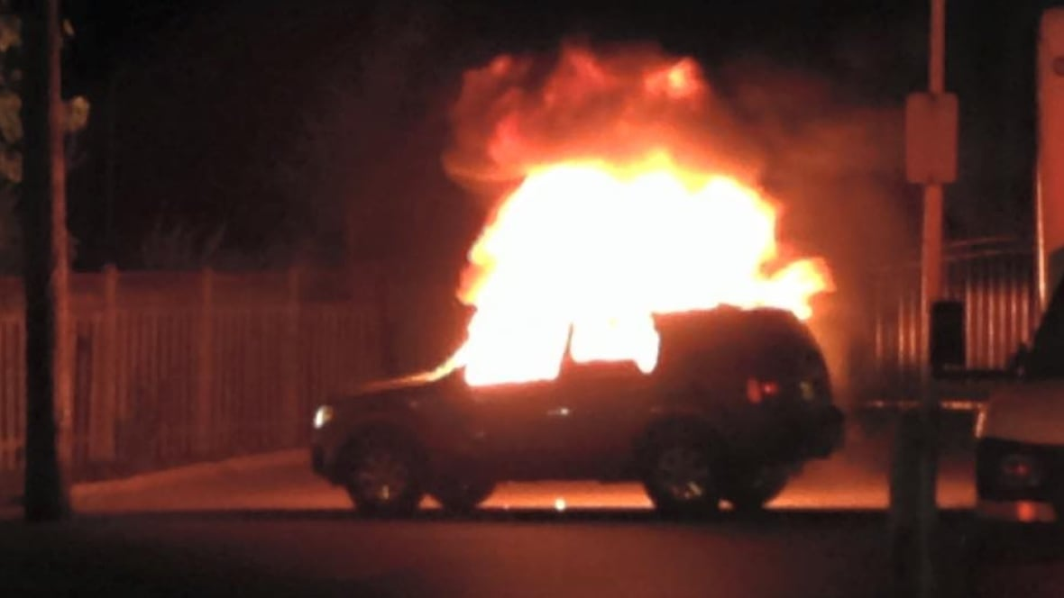 Suv Erupts In Flames In Hamilton S East End Latest Hamilton News