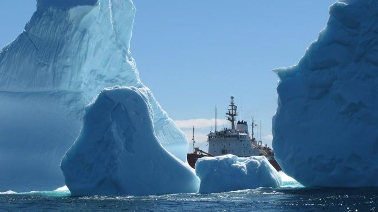 Coast Guard Ship 20150401