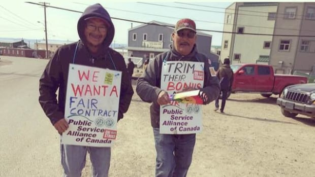 """""""Our offer seemed well received and we're hopeful that they won't walk away from the table,"""" said Bill Fennell, the president of the Nunavut Employees Union, on their counter-offer to the Qulliq Energy Corporation."""
