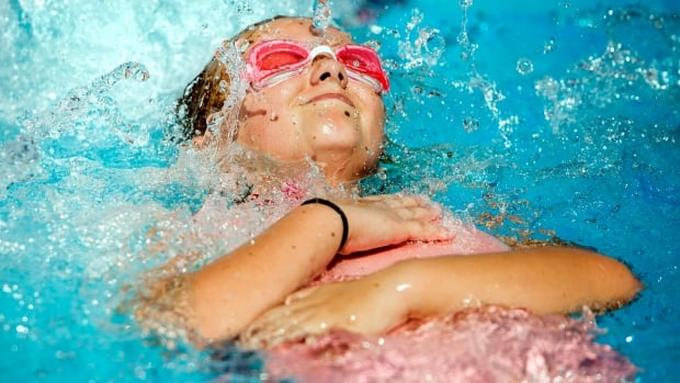 Swimming registration in Winnipeg begins March 15 at 8 a.m.