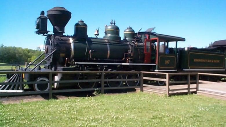 Fort Edmonton Park steam train stuck in 'essentially