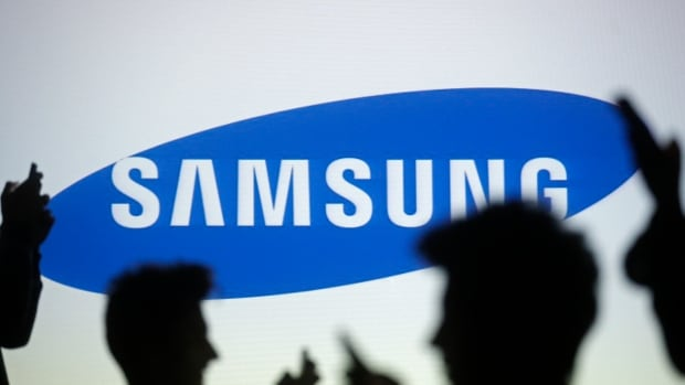 Samsung showed off the PM1633a, a solid-state drive capable of storing nearly 16 terabytes, at the Flash Memory Summit in California this week.