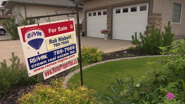 The Association of Regina Realtors reported a 14 per cent decrease in Regina house sales for June 2017 compared with June of last year. Meanwhile, the Canadian Real Estate Association reported Regina sales to be down 32 per cent.