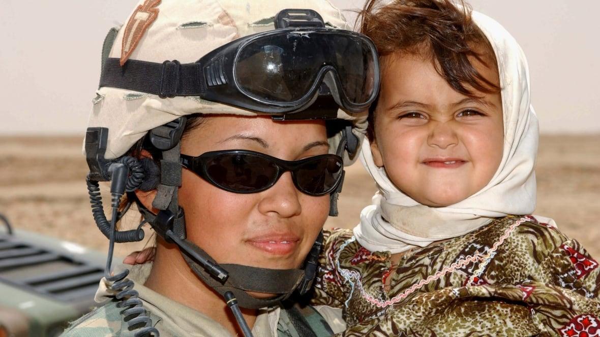 persuasive essay on women in combat