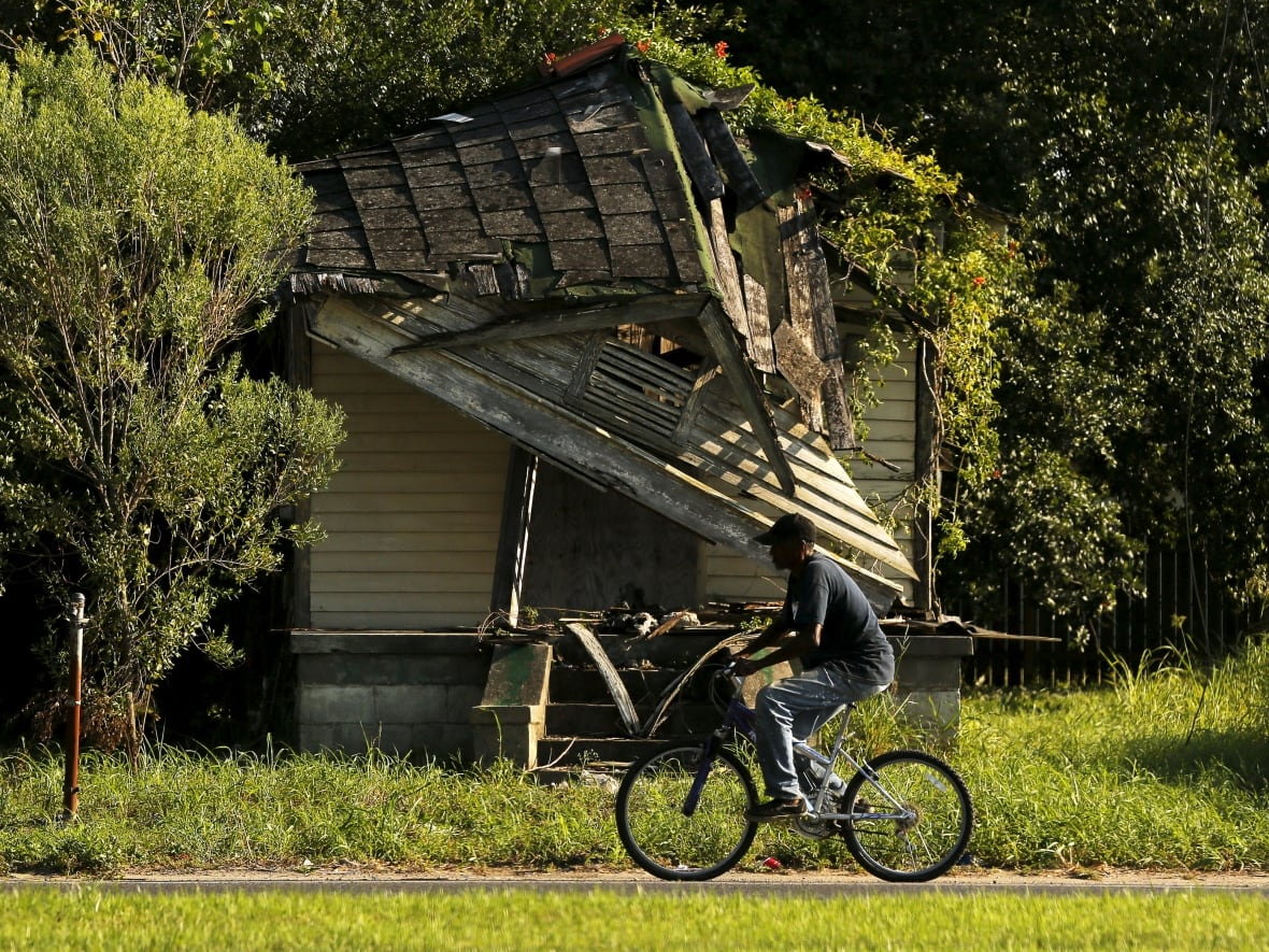 10 years after Katrina, New Orleans ward struggling to