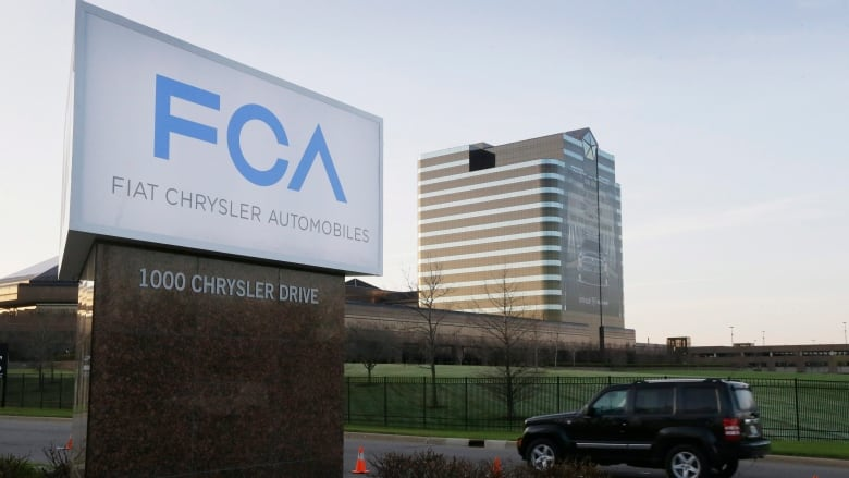 Liberal government writes off $1 1B US loan to Chrysler