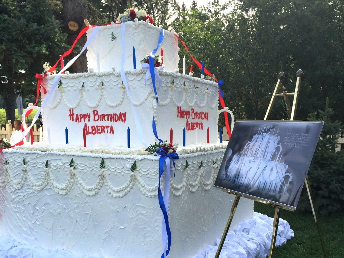 Fairmont Palliser Recreates Massive Cake For Albertas 110th Birthday