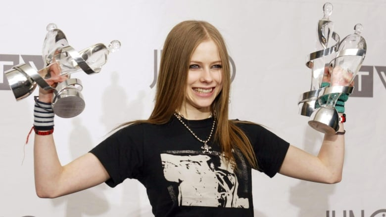 1470389dc3 How Avril Lavigne s bravado taught a gener8tion to Let Go and embrace  emotion