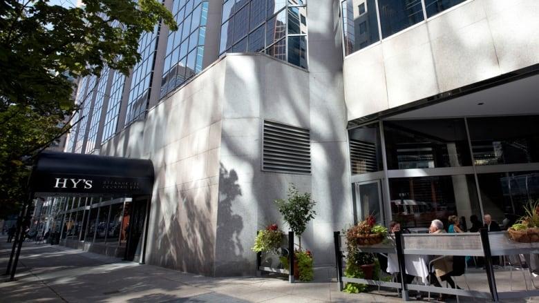 Hy's Steakhouse in Ottawa to close in February | CBC News on urban barbecue, urban breakfast, urban street food, urban coffee house, urban sports bar,