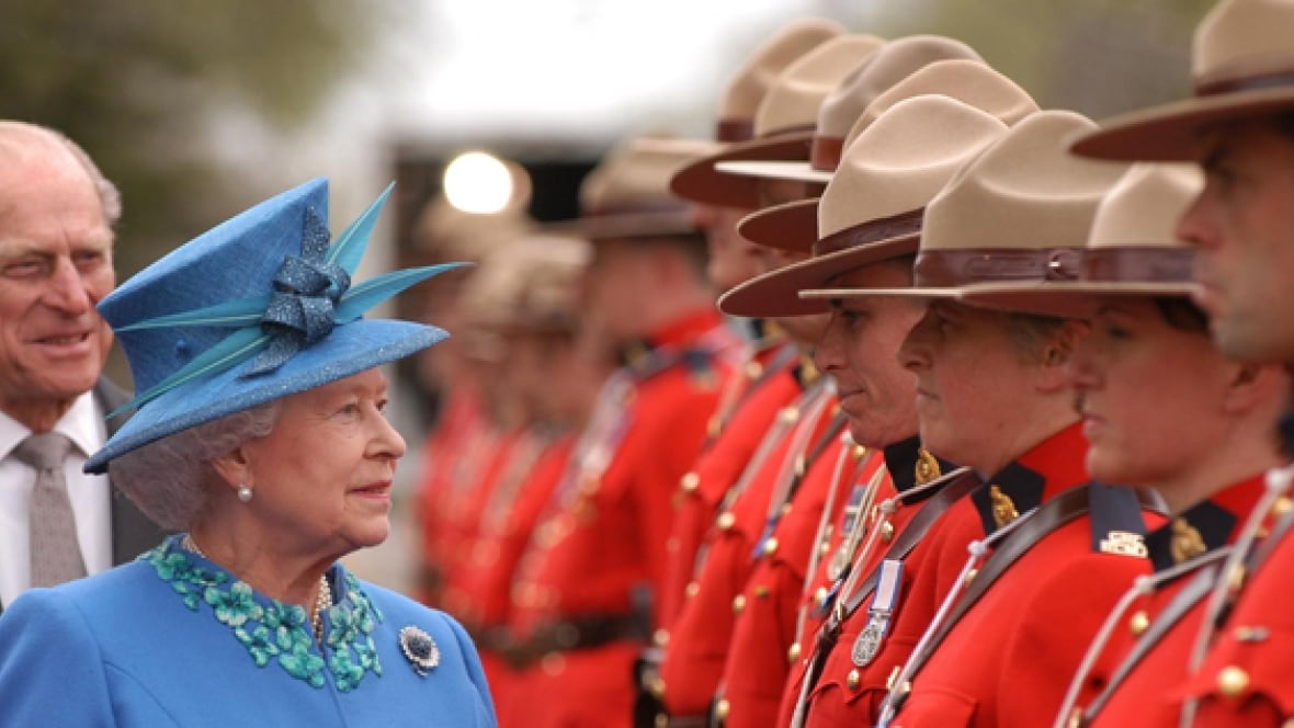 Queen Elizabeth S 90th Birthday Prompts Recollections From