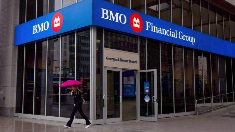 Bmo Buys Ge Capital S Commercial Truck Finance Business