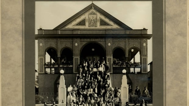 The Sikh congregation outside the Sikh Gurdwara in Kitsilano. Built in 1908, it was the religious, political, social, and cultural heart of the community. The Gurdwara was sold in 1970 to build the Ross Street temple.