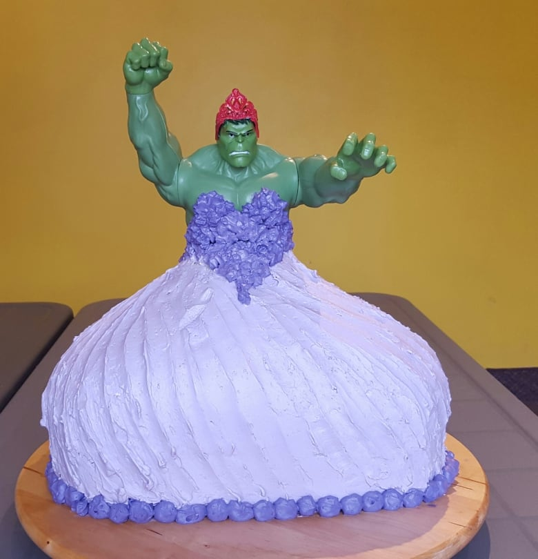 Brian And Lainie Elton Created A Hulk Princess Cake Mash Up At Their Twin Daughters Request