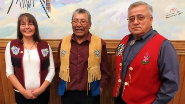 Chiefs representing three First Nations in northern Yukon signed a sustainable development agreement in Dawson City Thursday.