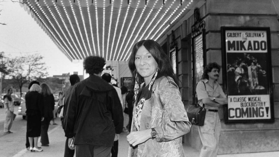 Singer Buffy Sainte-Marie at the Royal Alexandra Thetre in Toronto May 25, 1986 for the week-long Toronto Arts Against Apartheid Festival.