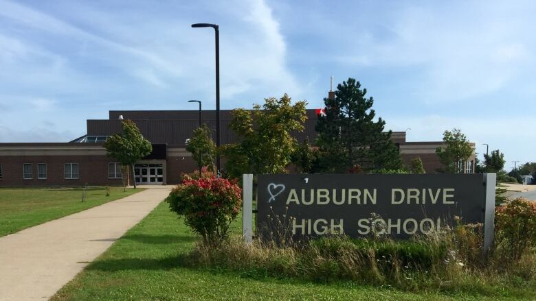 Auburn Drive High School To Be Closed Friday After 2nd Covid 19 Case Discovered Cbc News