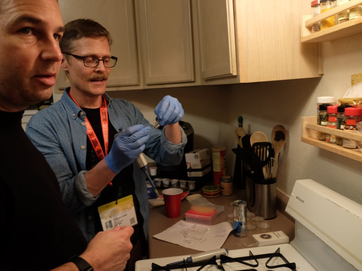 Synbiota biohacking kits let you do genetic engineering at home david whelan of los angeles and philippe lucas of victoria assemble plasmids with their custom dna in the kitchen of a rented bungalow at a biohacking solutioingenieria Gallery