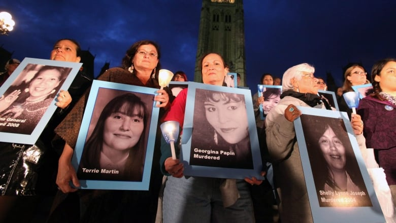 Nancy Britian Sue Martin And Aileen Joseph Take Part In A National Candle Light Vigil To Honour Missing Or Murdered Aboriginal Women On Parliament Hill