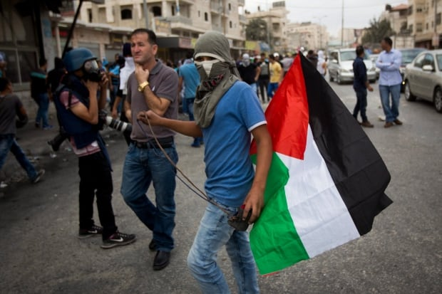 Mideast Palestinians Young and Angry