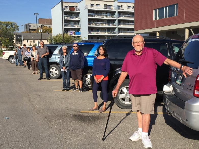 Dozens of Ford vehicle owners fed up with flaking paint