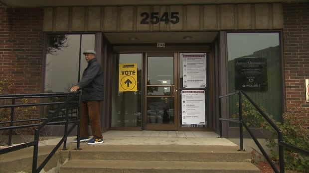 There were long waits reported at the polling station at 2545 Cavendish Boulevard.