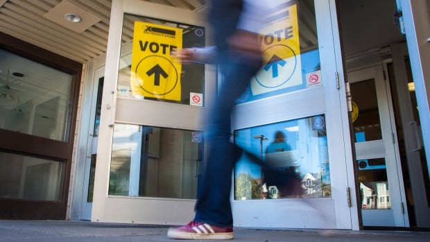 Advance polls open at River Oaks Recreational Centre in Oakville, Ont., on Oct. 11.