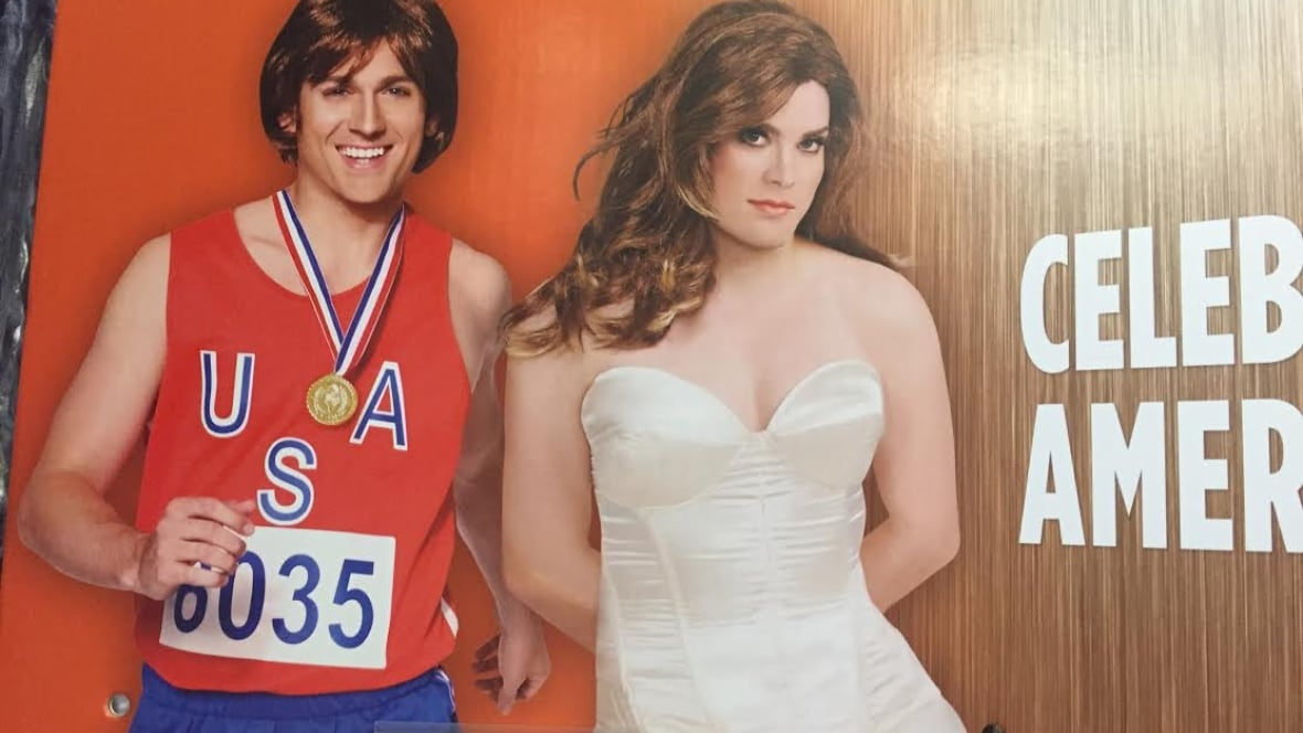 Caitlyn and Bruce Jenner Halloween costume sparks controversy ...