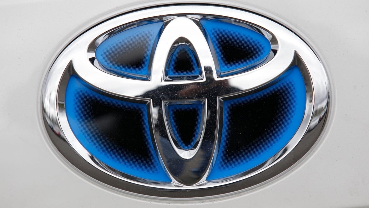Toyota to test car-sharing system that doesn't use keys