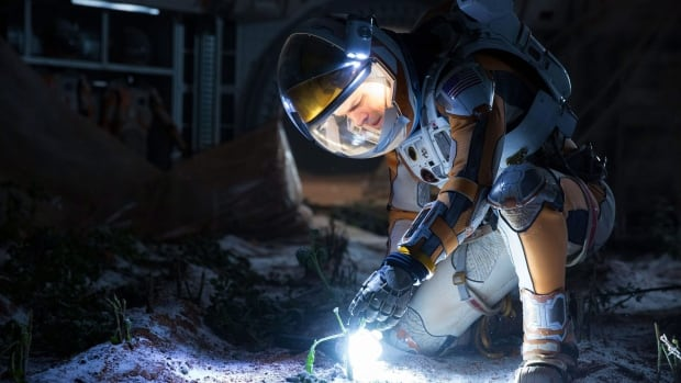 In a scene from The Martian, Mark Watney (played by Matt Damon) examines crops he managed to grow on Mars. New research from the International Potato Center shows this may be possible.