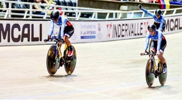 Jasmin Glaesser, Allison Beveridge, Stephanie Roorda and Kirsti Lay of Canada won gold in the women's team pursuit at the UCI Track World Cup in Cali, Colombia on Saturday.