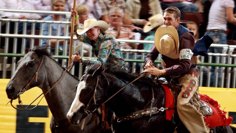 Las Vegas Rodeo >> Cowboy Brothers From Manitoba Going To National Finals Rodeo