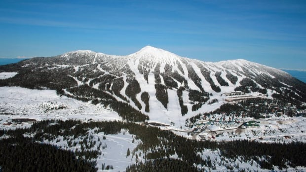 Snowboarder dies at Mount Washington