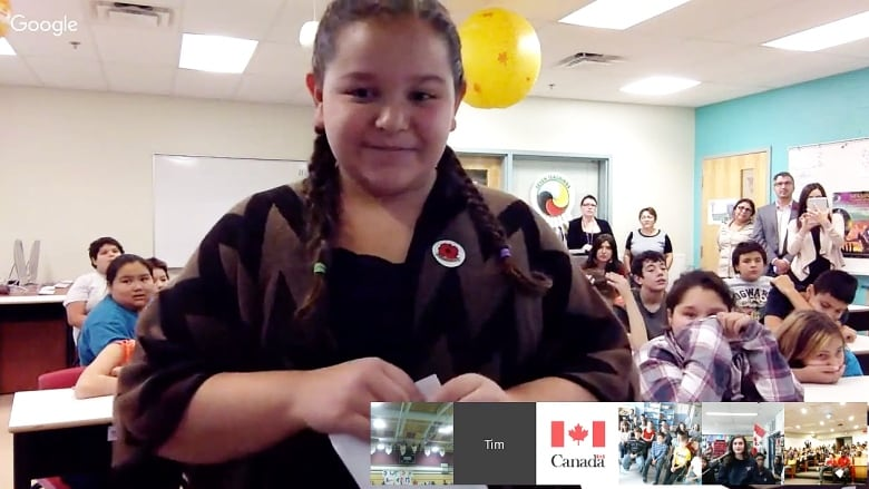Justin Trudeau hosts Google Hangout with schoolkids on day 1 as PM