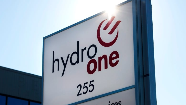 Hydro One Shares On Sale In Biggest Tsx Ipo Since 2000 Cbc News