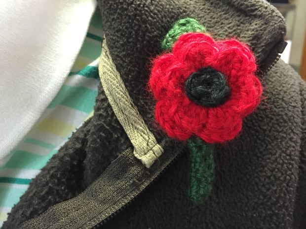Knitted Poppy Pattern For British Legion : 5 things you should know about poppy etiquette for Remembrance Day - Saskatoo...