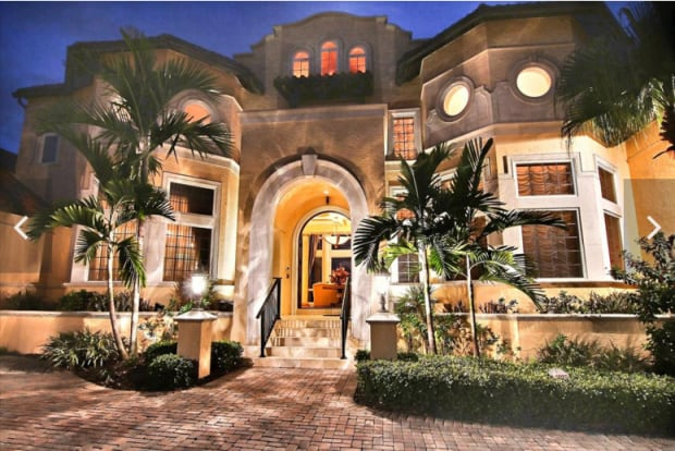 Dobbins 39 beach front florida mansion for sale for Dobbins homes