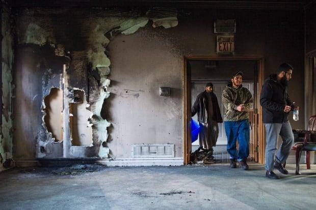 Mosque Fire 20151115