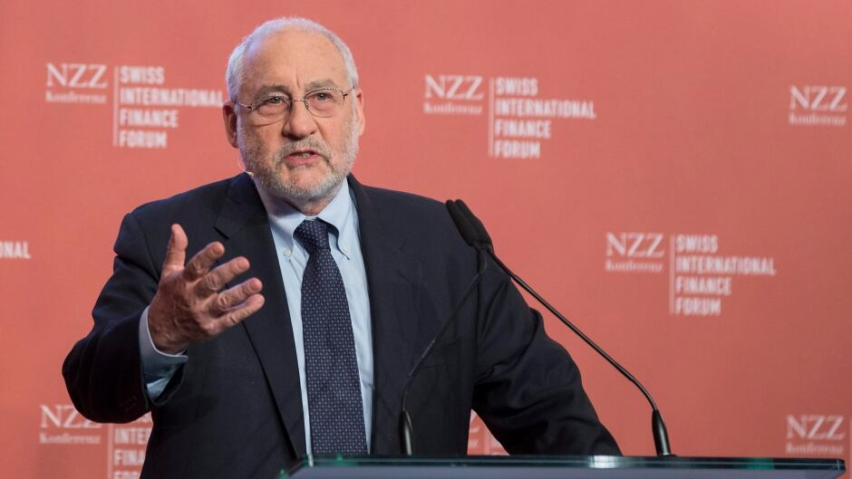 Joseph E. Stiglitz, winner of the Nobel Prize in Economics, speaks during the Swiss International Finance Forum, in Bern, Switzerland, Tuesday, May 20, 2014. Politicians, supervisory authorities and scientists engage in an active dialogue on the future of the Swiss financial market during the forum.